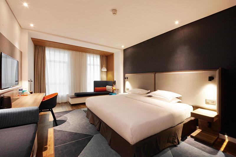 酒店實木床買什么好一些?如何選擇規格